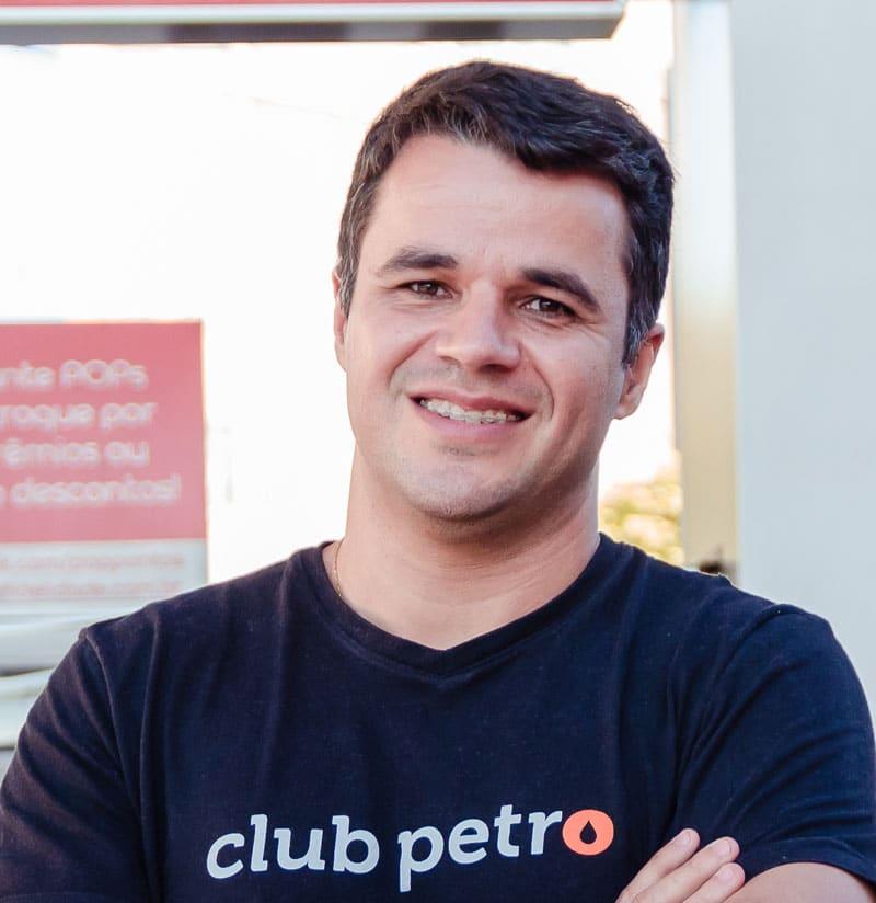 Artigo escrito por Ricardo Pires
